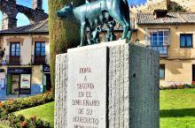 塞哥维亚—令人惊叹的高架引水渠、城堡及烤乳猪  古老而又美丽的塞哥维亚,拥有众多傲人的历史遗迹,因此