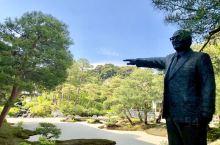 岛根县安来市足立美术馆,是日本国内最大的庭园。是日商足立全康建立。自2003年以来,在美国的日本庭园