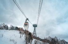日本新穗高 南方人表示这辈子没见过这么大雪,我一脚踩进雪里直接没到腰,要不是我准备充分还特地穿了秋裤