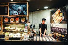 最后推荐一家在暹罗商圈的海鲜餐厅。 这家KINKINSEAFOOD餐厅极力推荐,原因是海鲜评价又