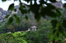 诏安老城外,相去三十里,便是九侯山。 九侯山上有九侯禅寺,始建于唐,延续至今。 抵达时为阴雨天气,风