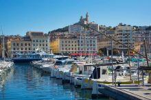 马赛之心——马赛旧港  法国不得不来的地方除了巴黎便是马赛,大家没有什么异议吧?巴黎铁塔固然很美,但