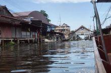 打卡城市猎人取景地,感受最纯正的泰国市井风情  水上市场是泰国的特色之一,你可以在这里尽情地享受具有