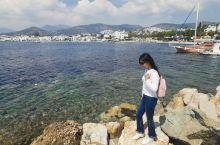 博德鲁姆是一个很美的白色爱情海小镇,我觉得它的特别纯粹是因为爱琴海,爱琴海周边的城市都特别的美,跟土