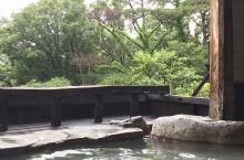 温泉旅行   到了日本,似乎温泉成了旅行之常态。当然我也是越泡越喜欢。每到一个地方,只要有温泉,一定