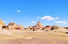 新疆克拉玛依市魔鬼城。