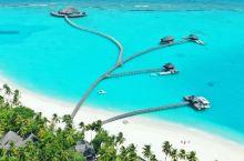 """成为这个""""村""""离最亮的仔  想想要进村了就很激动,哈哈,也不是什么特别的,就是马尔代夫这边的一个度假"""