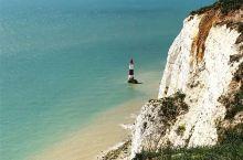 来挑战跳崖吗?当然不是,是眺望海峡——比奇角  来英国旅游,真的是处处都是惊喜,令人惊叹大自然的美好