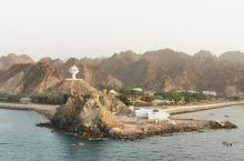 马斯喀特的海岸线 满满的异域风情,苍凉的巍峨感