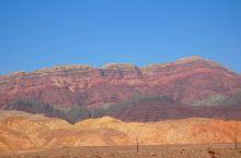 吐和高速西克尔服务区往喀什方向, 西克尔七彩山完全碾压张掖的同地貌风景, 张掖拍照要色彩加浓,而此处