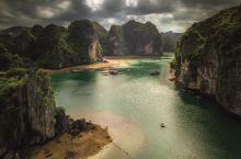 海湾海景海味道  游过了桂林山水,终于知道为什么人人都说桂林山水甲天下。它最美的地方就是它的山清水秀