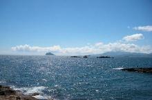 神奇的自然景观 ——中国新北野柳地质公园  你见过大自然被海水侵蚀和风力侵蚀的自然景观吗?在你的想象