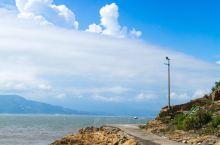 """醉美嵛山岛,恋上这片海           素有""""海上明珠""""之称的大嵛山岛,风光旖旎,有天湖泛彩、南"""