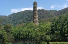 天台山 • 国清寺 隋代古刹,一千四百多年历史。隋代高僧智越大师在此创立天台宗,国清寺是佛教天台宗的