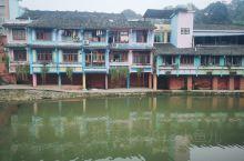 邛崃市大同镇,小镇建筑保存的比较完整,商业气息不浓。从邛崃出发大概40分钟,途中会经过一个未打造的溶