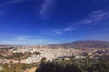 人造迷宫--------古城菲斯 摩洛哥 四大皇城之一的菲斯 是摩洛哥最早建立的阿拉伯城市之一,距今