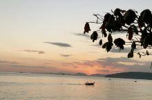 傍晚甲米的海滩