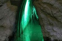 坎儿井——你懂的 坎儿井是什么?是一代代的吐鲁番人开凿的,让在井下流淌的清水流进了田间地头,农家小院