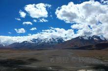 希夏邦马峰和佩枯错  走到佩枯措的湖边,用航拍远远的从希夏邦马峰转过来,山湖相映,美不胜收  希夏邦
