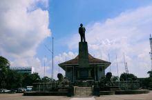 科伦坡独立纪念厅 很喜欢这个地方,像一个公园,很多当地人也会在这里座一座,楼下是博物馆,没有进去。