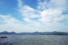 西湖真是美不胜收,以后还会去的。