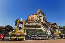 契迪龙寺又称大佛塔寺,始建于1411年,是清迈市内六大寺庙中最大的寺庙,与帕辛寺同为清迈等级最高的寺