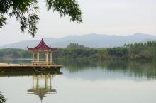 【河源苏家围,南中国的画里乡村】 苏家围位于广东省河源市义合镇,距离市区约26公里,整座村子山水环绕