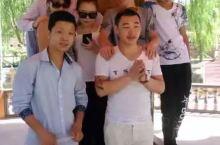 这是新疆阿克苏,这个记不清时间了,但是那天和伙伴们玩得很开心。