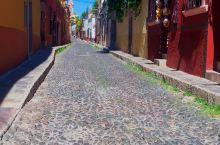 墨西哥最美山城小镇:圣米格尔 1542年,圣米格尔以其传教士身份发现2处泉眼 1826年,阿连德成为