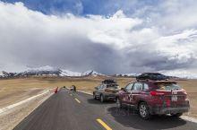 新藏线全长1455公里,顾名思义,就是新疆到西藏的一条路线,一路风景极美。可以说中国最壮美的风光和最
