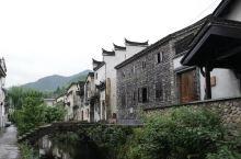 距离千岛湖三小时车程,非常值得来,位于浙江具有浓郁徽派建筑风格的小村庄。空气里满满的油菜花香味,村口