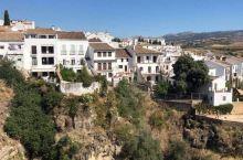 【一世不去会后悔|西班牙秘境小镇-隆达全介紹】   西班牙南部的神秘白色小城市—隆达,联近塞维尔,拥