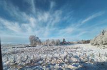 去尼斯湖路上经过的苏格兰高地,一片银装素裹,也收获不少英国北部的雪景,还坐缆车上了英国最高山峰的山峰
