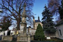 库特纳霍拉(捷克) 库特纳霍拉在14世纪因开採白银所带来的财富与地位,所辉映出现今仍存的中世纪之古城