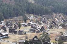 白川乡,称为日本最美的乡村,被评为世界文化遗产,在我心目中是童话世界,一直心心念念的。特意选在12月