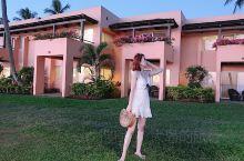 Denarau island 超喜欢这一套穿搭,小白裙和竹编包走到哪都被夸 到斐济第二天,但是真正开