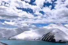 拉萨今天下雪了,羊湖景色也在休息中。 【景点攻略】 详细地址:  交通攻略:  开放时间:  门票价