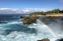 巴厘岛 恶魔的眼泪  恶魔的眼泪 巴厘岛跟团游,觉得这是最漂亮的一个地方了,海浪汹涌,碧海蓝天,透过