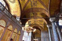 土耳其的地标、世界最大穹顶:圣索菲亚大教堂。竞技场上与清真寺宣礼塔交相辉映的埃及方尖碑