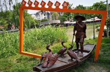 最美水乡三道堰 *** 三道堰,因用竹篓截水,做成三道相距很近的堰头导水灌田而得名。是成都市郫都区的