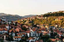塞尔维亚兹拉蒂博尔周围的秋景,绝对值得你来细细品味一番。