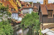 科尔玛,阿尔萨斯地区最富代表性的小镇,因历史上多次被德国统治,深受德国文化的影响,房屋外观大多继承了