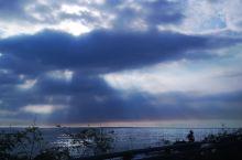 垦丁 台湾半环岛第二站 途经巴士海峡,平静的海平面, 羊驼园喂傲娇的羊驼, 游艇港吃海鲜 恒春古城