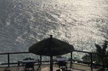 餐後的下午茶,問海。。。寧靜的民宿,很有景的下午茶區。。。值得隨時去