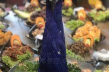 傣族文化!創意孔雀餐挺不錯的嘗試,大眾點評買很實惠!一桌500人民幣便宜?