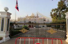 老挝国家主席府,原来曾经是皇宫。