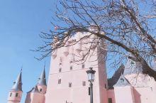 没错 这里就是传说中的 白雪公主的城堡!只是如此梦幻的地方 如今已改建成了军事博物馆,反差也忒大了一