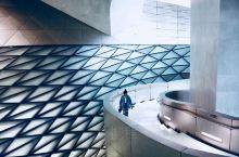 异形结构打造异世界——当代艺术与城市规划馆  这里是深圳最炫酷的新地标。  来看之前粗粗查过到底什么