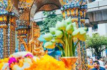 """四面佛,位于曼谷中心的""""有求必应""""佛 四面佛,人称""""有求必应""""佛,是泰国最著名的神,据说来泰国曼谷不"""