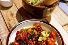 多口味美味小龙虾 好吃得根本停不下来 我2019年第一顿小龙虾献给了位于福永的夜宴传奇。该店位于益田